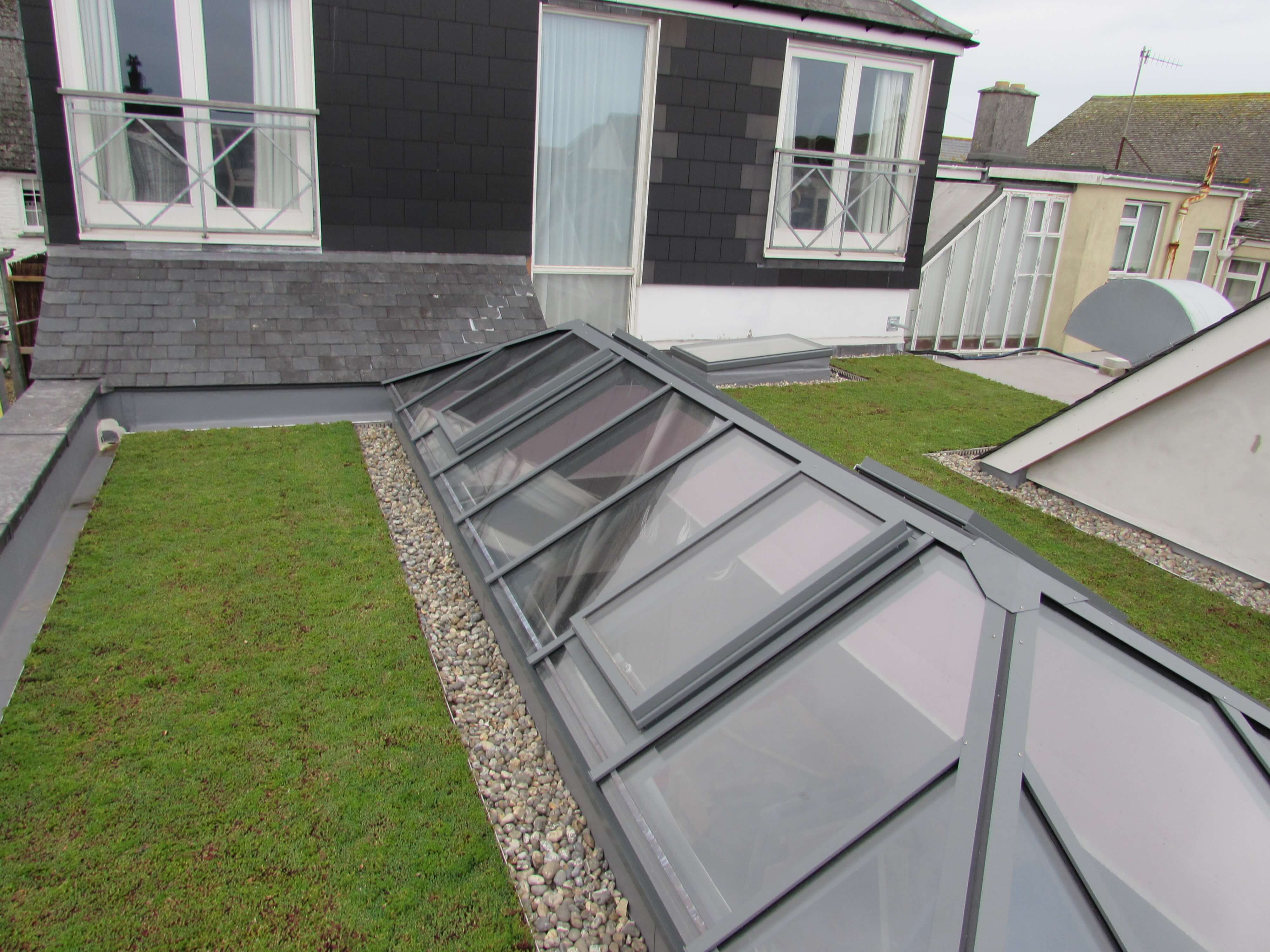 ST MAWES HOTEL COMPLETED IN THE NEW RENOLIT ALKORGREEN SYSTEM